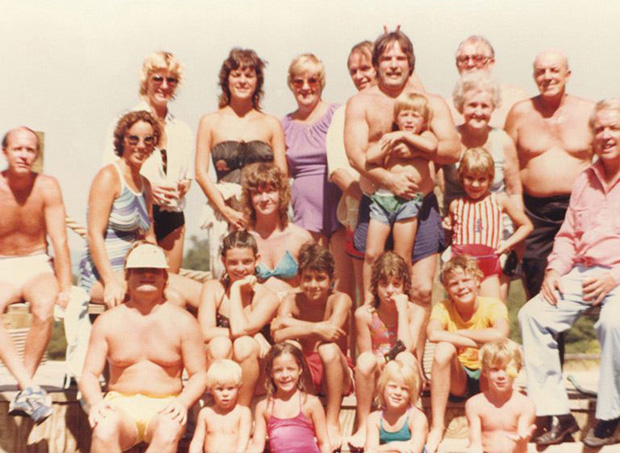 Family Reunion 1983, Poolside